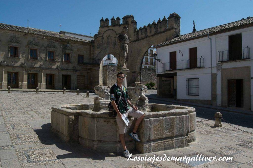 plaza del pópulo de Baeza - Los viajes de Margalliver